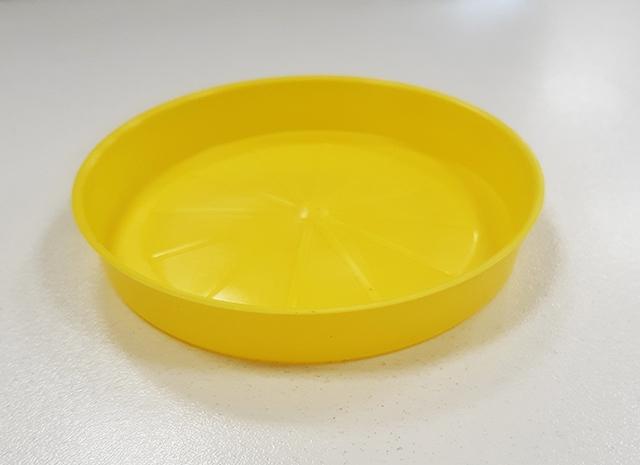 Подложна чинийка за саксия ф13/жълт/